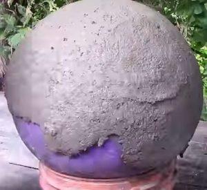 бетонные шары - мяч