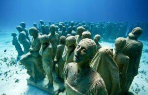 бетонные скульптуры под водой