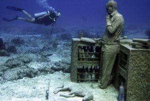 бетонные скульптуры под водой 1