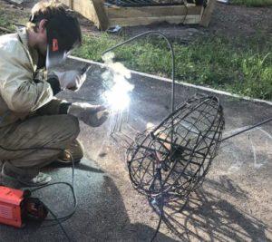 Сварка скелета бетонной скульптуры