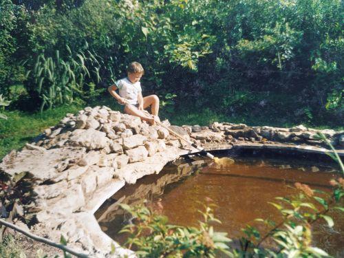 Пруд в саду 20 лет назад