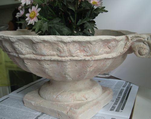 поделки из цемента - ваза сложной формы