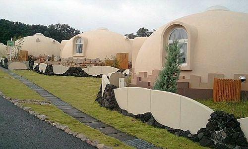 сферический дом в Японии